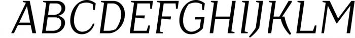 Crimsons � Regular & Italic Font UPPERCASE