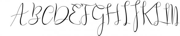 Gillithig Font UPPERCASE