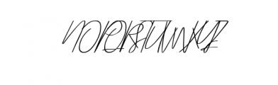 Signora.otf Font UPPERCASE